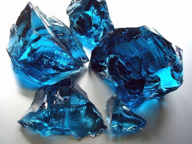 Find here glass rocks ocean blue in the warehouse of Deco Stones