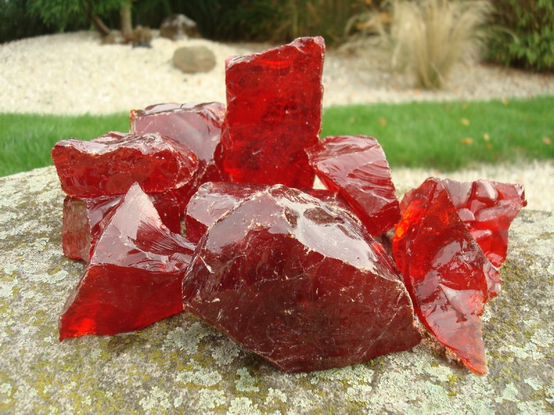 glass rocks red - one of many highlights from DecoStones