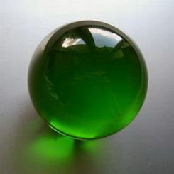 b59a4323c ... kristallglaskugel-100-smaragdgruen.jpg ...